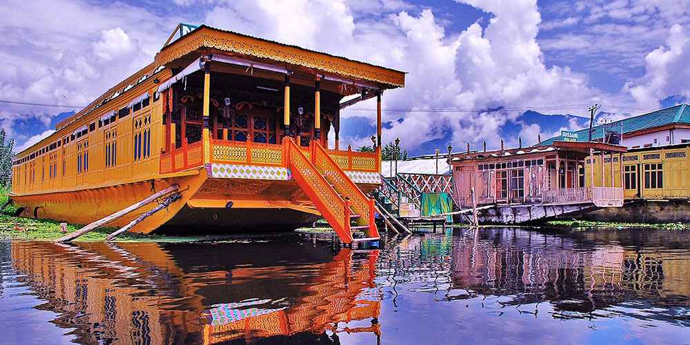 Houseboat, Kashmir, India, photo by Basharat Alam Shah